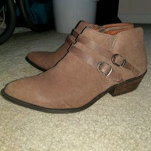 Lucky Brand Brown Western Ankle Boots